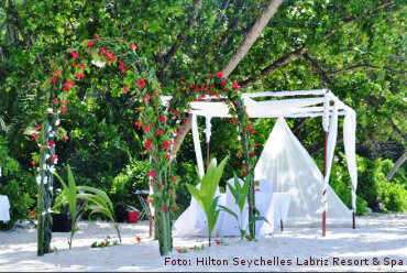 HiltonSeychellesLabrizResort WeddingSetupRed